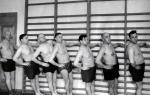 В.П. Зенин с коллегами во время занятий физкультурой, 1950-е годы.